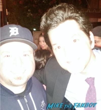 Ben Schwartz meeting fans photo flop Jean-Ralphio 2