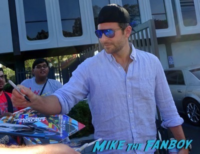Bradley Cooper Bunt Q and A Signing Autographs For Fans 3