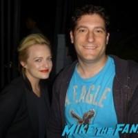 elisabeth moss fan photo signing autographs