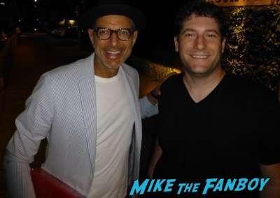 Jeff Goldblum signing autographs for fans autograph 2