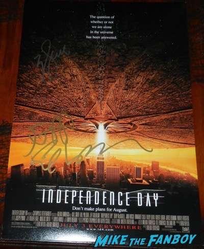 Jeff Goldblum signed autograph ID4 poster