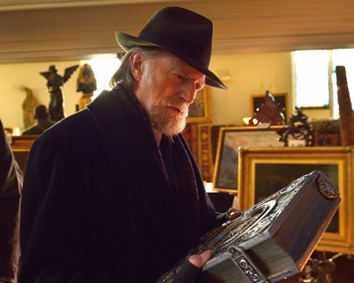 "THE STRAIN -- ""Night Train"" -- Episode 213 (Airs October 4, 10:00 pm e/p) Pictured: David Bradley as Abraham Setrakian. CR: Michael Gibson/FX"
