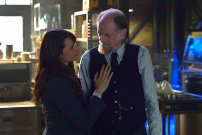 "THE STRAIN -- ""Night Train"" -- Episode 213 (Airs October 4, 10:00 pm e/p) Pictured: (l-r) Mia Maestro as Nora Martinez, David Bradley as Abraham Setrakian."
