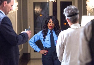 "SCREAM QUEENS: Pictured L-R: Jim Klock as Detective Chisolm, Niecy Nash as Denise Hemphill and Jamie Lee Curtis as Dean Cathy Munsch in the ""Haunted House"" episode of SCREAM QUEENS airing Tuesday, Oct. 6 (9:00-10:00 PM ET/PT) on FOX. ©2015 Fox Broadcasting Co. Cr: Skip Bolen/FOX."