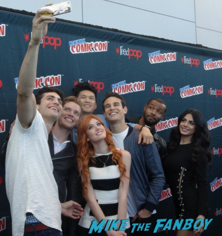 Shadowhunters NYCC 15 press (1)