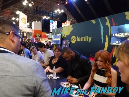 Shadowhunters signing NYCC 2015 (2)