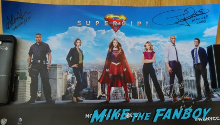 Supergirl NYCC signing 15 (1)