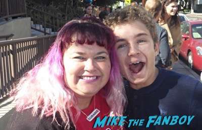 Sean Giambrone  Meeting the cast of the goldbergs selfie 2