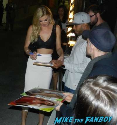 Adrianne Palicki  signing autographs jimmy kimmel live 2015 6