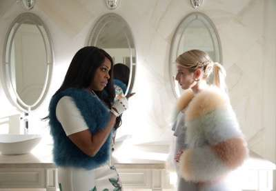 "SCREAM QUEENS: L-R: Billie Lourd, Abigail Breslin, Keke Palmer, Niecy Nash and Lea Michele in the ""Mommie Dearest"" episode of SCREAM QUEENS airing Tuesday, Nov. 10 (9:00-10:00 PM ET/PT) on FOX. ©2015 Fox Broadcasting Co. Cr: Patti Perret/FOX."