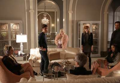 "SCREAM QUEENS: L-R: Billie Lourd, Diego Boneta, Abigail Breslin, Jamie Lee Curtis, Skyler Samuels, Keke Palmer and Oliver Hudson in the ""Thanksgiving"" episode of SCREAM QUEENS airing Tuesday, Nov. 24 (9:00-10:00 PM ET/PT) on FOX. ©2015 Fox Broadcasting Co. Cr: Patti Perret/FOX."