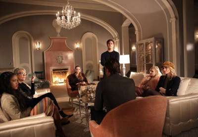 "SCREAM QUEENS: L-R: Keke Palmer, Jamie Lee Curtis, Billie Lourd, Oliver Hudson, Diego Boneta, Abigail Breslin,  and Skyler Samuels in the ""Thanksgiving"" episode of SCREAM QUEENS airing Tuesday, Nov. 24 (9:00-10:00 PM ET/PT) on FOX. ©2015 Fox Broadcasting Co. Cr: Patti Perret/FOX."