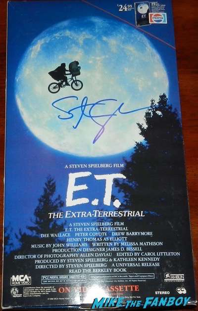 Steven Spielberg signed autograph e.t. oversize vhs display box stand standee Steven Spielberg signed autograph e.t. oversize vhs display box stand standee