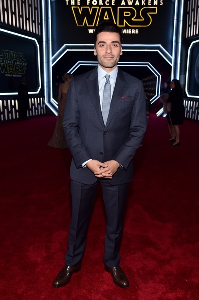 HOLLYWOOD, CA - DECEMBER 14:  Actor Oscar Isaac attends the World Premiere of ?Star Wars: The Force Awakens? at the Dolby, El Capitan, and TCL Theatres on December 14, 2015 in Hollywood, California.  (Photo by Alberto E. Rodriguez/Getty Images for Disney) *** Local Caption *** Oscar Isaac