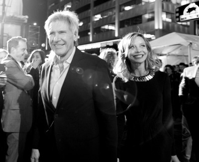 HOLLYWOOD, CA - DECEMBER 14:  (EDITORS NOTE: Image has been shot in black and white. Color version not available.) Actors Harrison Ford (L) and Calista Flockhart attend the World Premiere of ?Star Wars: The Force Awakens? at the Dolby, El Capitan, and TCL Theatres on December 14, 2015 in Hollywood, California.  (Photo by Charley Gallay/Getty Images for Disney) *** Local Caption *** Harrison Ford;Calista Flockhart