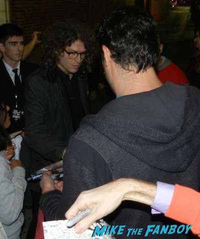 Dave Keuning The Killers Signing Autographs Jimmy Kimmel Live 2015 7