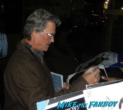 kurt russell signing autographs The Hateful Eight q and a kurt russell signing autographs 6