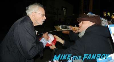 bruce dern signing autographs The Hateful Eight q and a kurt russell signing autographs 8