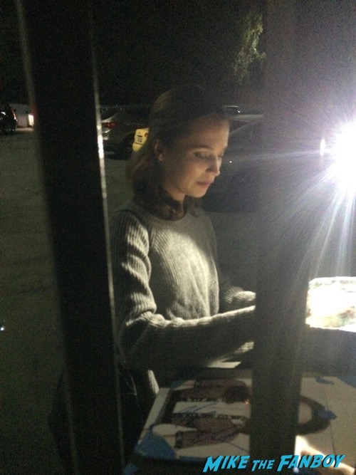 Alicia Vikander Signing Autographs The Danish Girl Q and A4