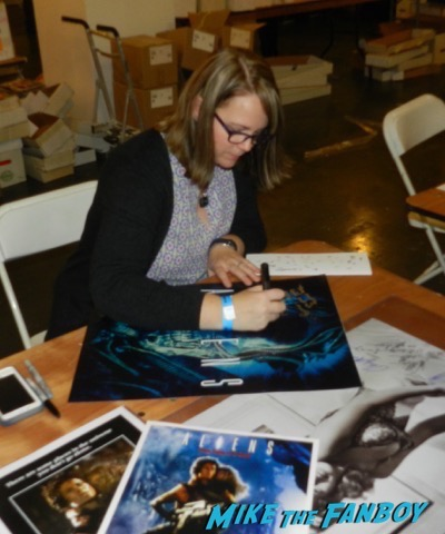 Aliens Reunion meeting carrie henn signing autographs now 2015
