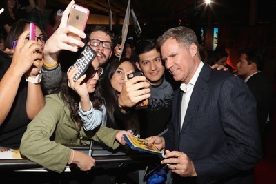 Daddy's Home Mexico Premiere signing autographs mark wahlberg will ferrell   18