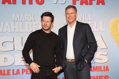 Daddy's Home Mexico Premiere signing autographs mark wahlberg will ferrell   23