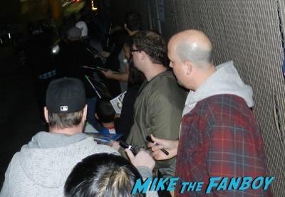 Ewan McGregor signing autographs jimmy kimmel live 2016 1