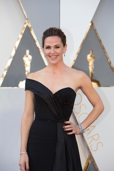 THE OSCARS(r) - ARRIVALS - The 88th Oscars, held on Sunday, February 28, at the Dolby Theatre(r) at Hollywood & Highland Center(r) in Hollywood, are televised live by the ABC Television Network at 7 p.m. EST/4 p.m. PST.  (ABC/Rick Rowell) JENNIFER GARNER