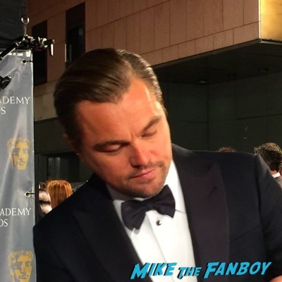 leonardo dicaprio  signing autographs BAFTA Awards 2016 6