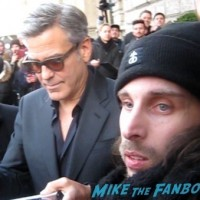 George Clooney signing autoGeorge Clooney signing autographs berlin film festival 3graphs berlin film festival 3