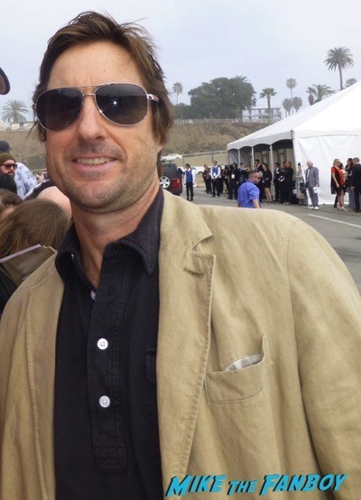 Luke Wilson signing autographsFilm Independent Spirit Awards