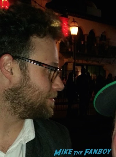 Seth Rogan signing autographs selfie photo flop 1
