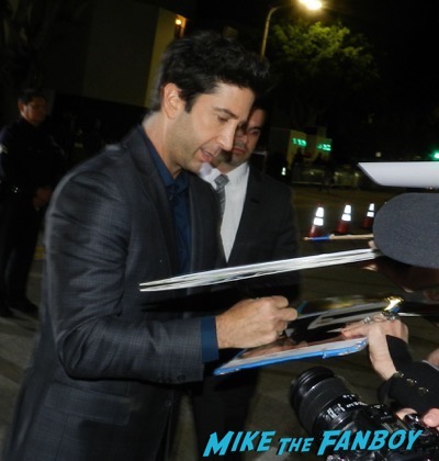 David Schwimmer signing autographs The People v. O.J. Simpson: American Crime Story premiere 5