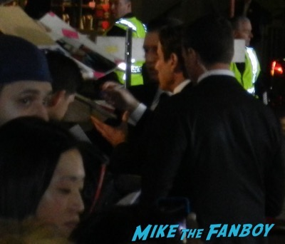 john travolta signing autographs The People v. O.J. Simpson: American Crime Story premiere 5