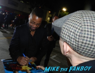 cuba gooding jr signing autographs The People v. O.J. Simpson: American Crime Story premiere 5
