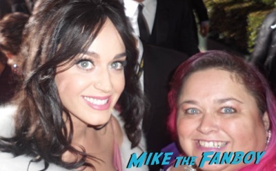 Katy Perry Valentine's Day celebrity selfie14