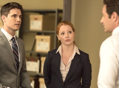 "THE X-FILES:  L-R:  Guest star Robbie Amell, guest star Lauren Ambrose and David Duchovny in the ""Babylon"" episode of THE X-FILES airing Monday, Feb. 15 (8:00-9:00 PM ET/PT) on FOX.  ©2016 Fox Broadcasting Co.  Cr:  Ed Araquel/FOX"