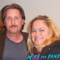 emilio Estevez fan photo selfie signing autographs