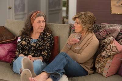 Grace and Frankie season 2 sneak peak 1