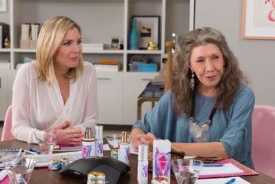 Grace and Frankie season 2 sneak peak 5