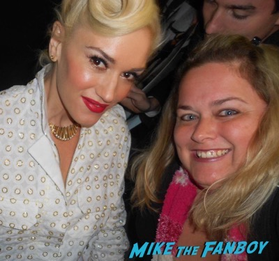 Gwen Stefani Fan photo selfie no doubt 2016 1