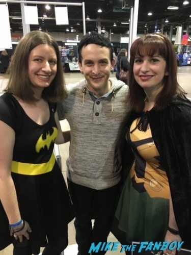 Robin Lord Taylor fan photo Heroes and Villians Fanfest 2016 1