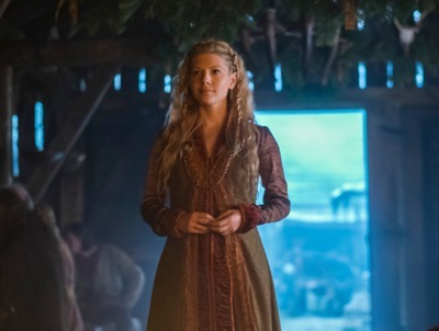 vikings season 4 yol Lagertha, played by Katheryn Winnick, cr_ Jonathan Hession