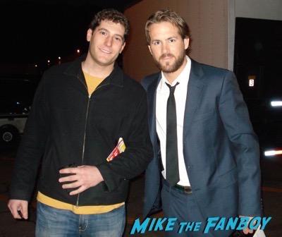 Ryan Reynolds Fan Photo 2007 Selfie signing autographs 1