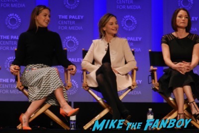 Supergirl paleyfest panel rude to fans 1
