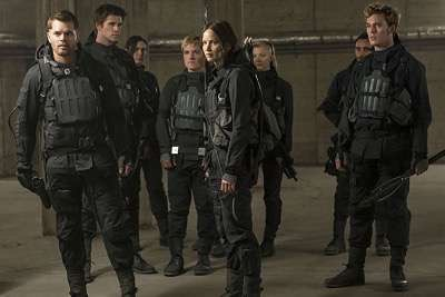 The hunger Games Mockingjay part 2 press still logo 4