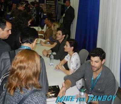 Wondercon 2016 stitchers cast autograph signing