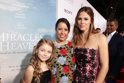 HOLLYWOOD, CA - March 9th, 2016 Kylie Rogers, Director Patricia Riggen and Jennifer Garner seen at Columbia Pictures world premiere of 'Miracles from Heaven' at ArcLight Hollywood