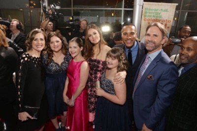 HOLLYWOOD, CA - March 9th, 2016 Christy Beam, Abigail Beam, Annabel Beam, Jennifer Garner, Adelynn Beam, Producer DeVon Franklin and Kevin Beam seen at Columbia Pictures world premiere of 'Miracles from Heaven' at ArcLight Hollywood