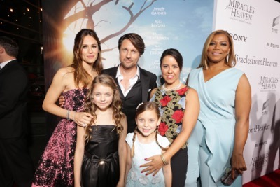 HOLLYWOOD, CA - March 9th, 2016 Kylie Rogers and Jennifer Garner seen at Columbia Pictures world premiere of 'Miracles from Heaven' at ArcLight Hollywood
